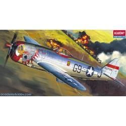 Academy 12491 P-47D...
